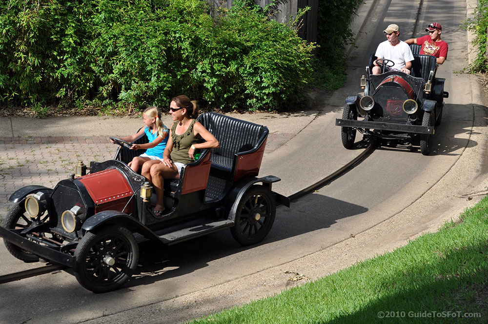 Chaparral Antique Cars Ride | Guide to Six Flags over Texas