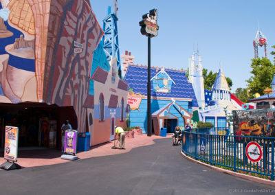 Looney Tunes Mall