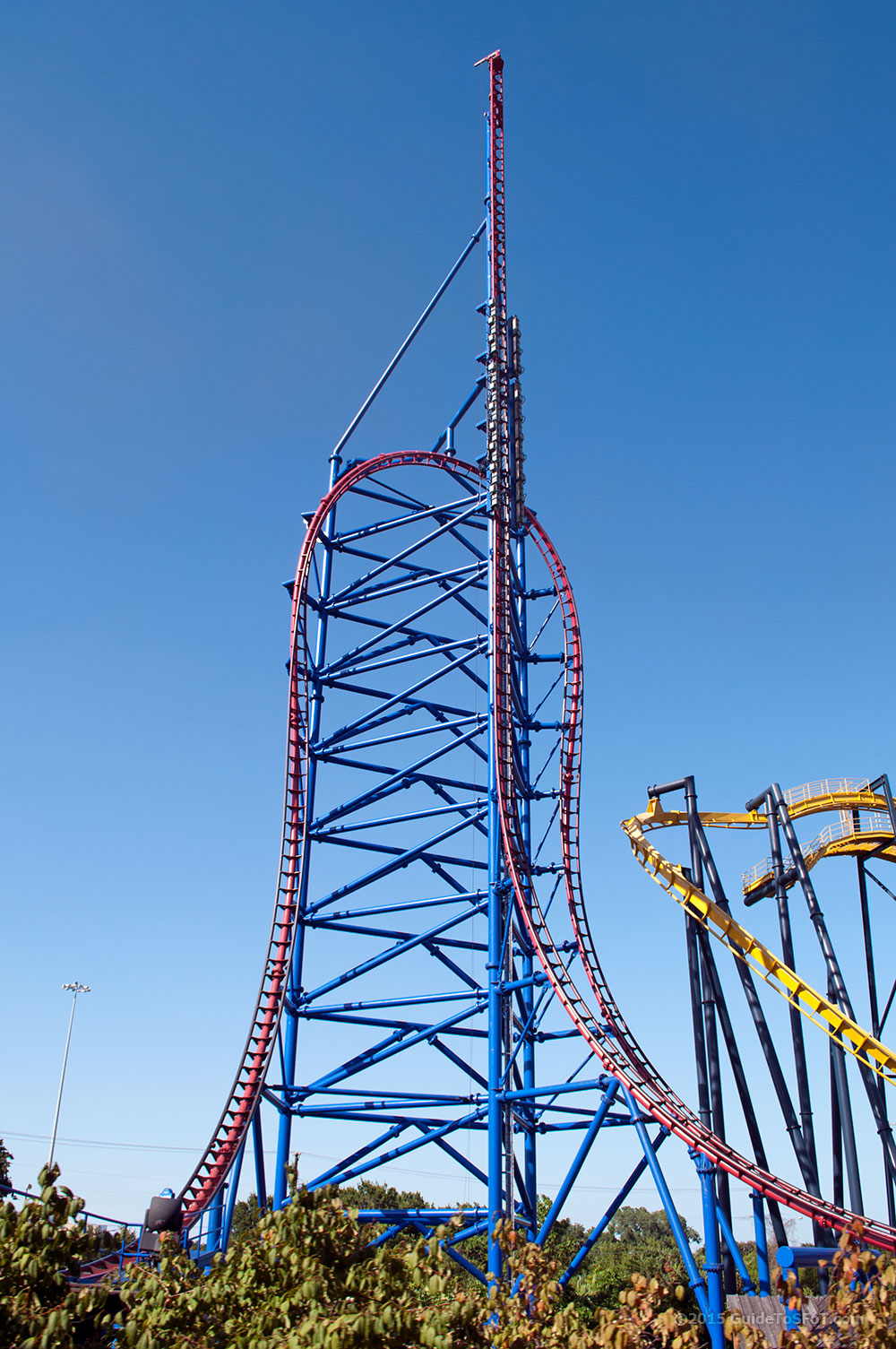 Mr Freeze Reverse Blast Roller Coaster Guide To Six